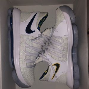 Nike Shoes - Nike Zoom KD 10 limited NBA sneakers
